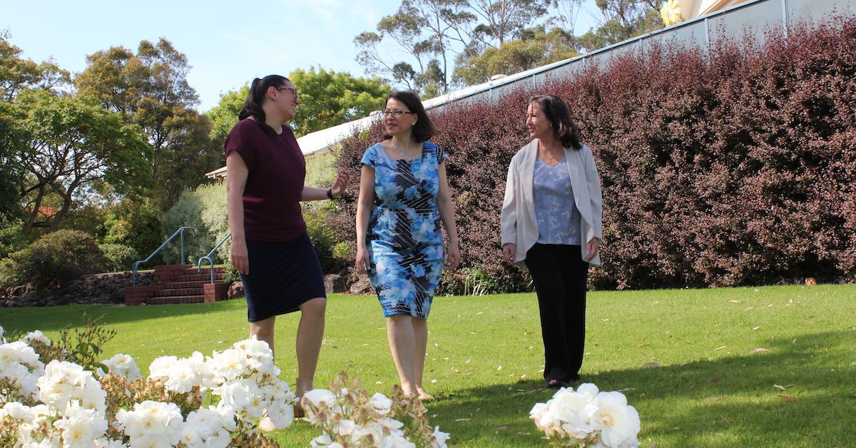 TDHS Health Minister Jenny Mikakos with CEO Rebecc Van Wollingen and Board Chair Maryanne Puli Vogels web